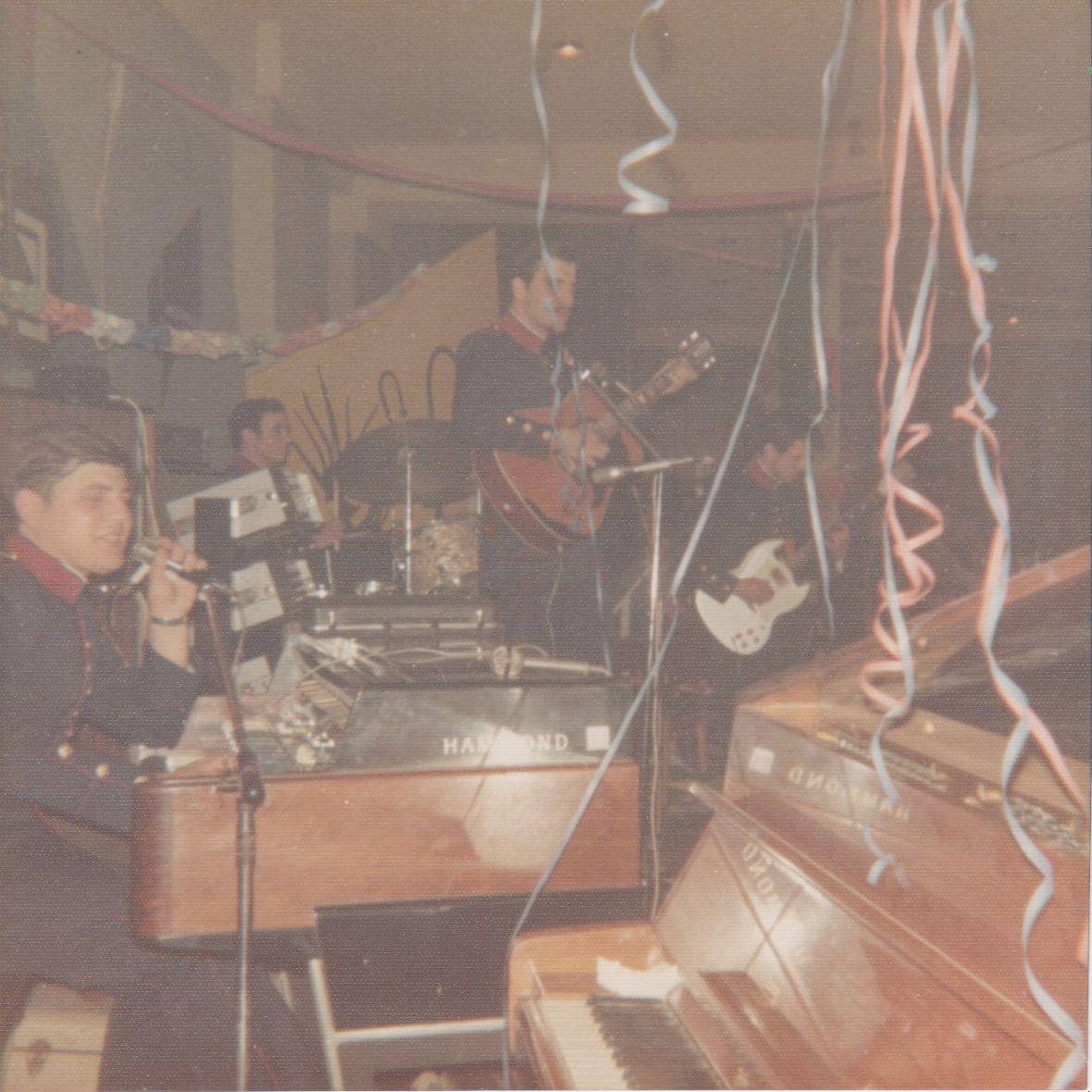 fwto 1977 oikonomikoi3