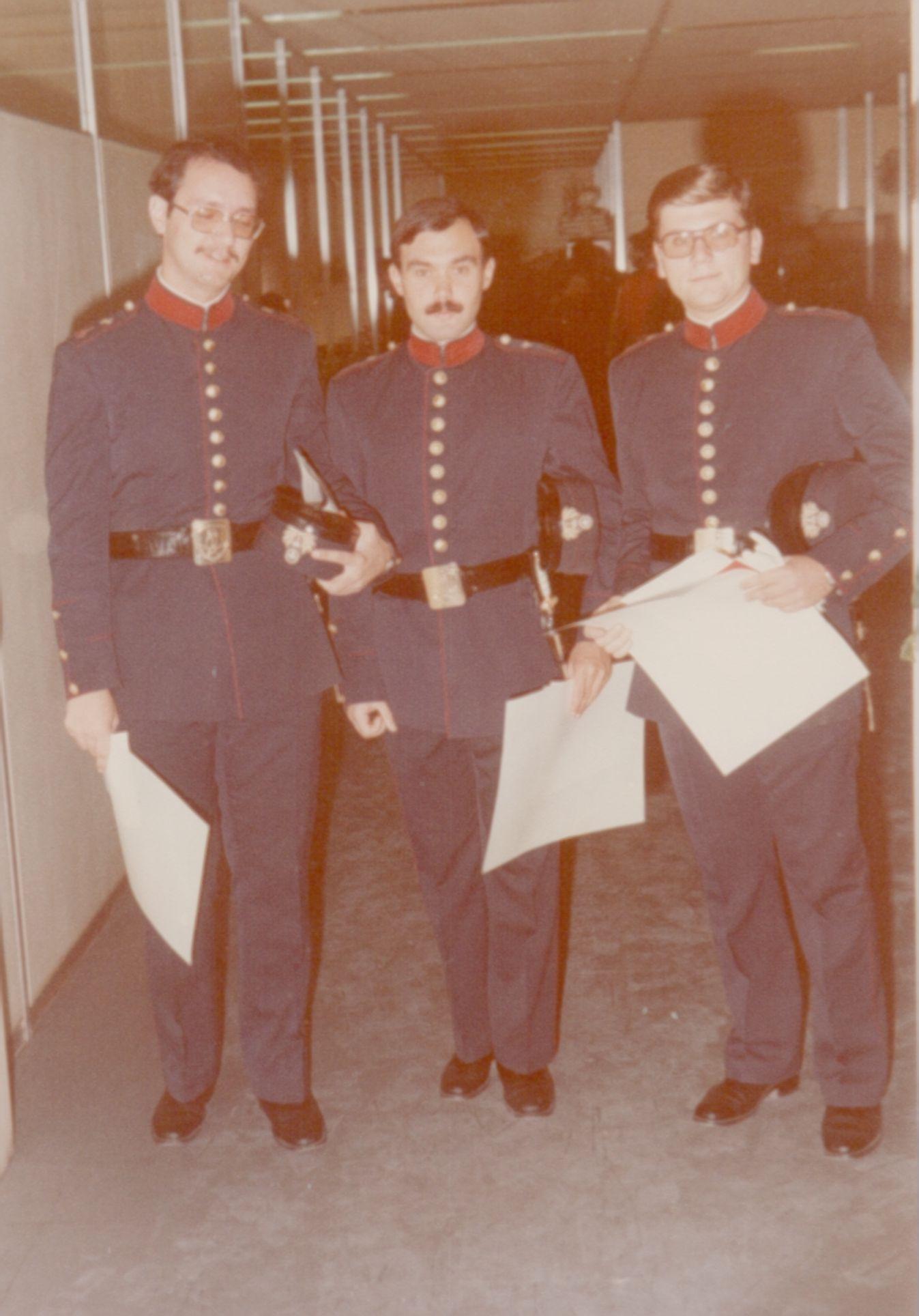 fwto 1977 oikonomikoi5